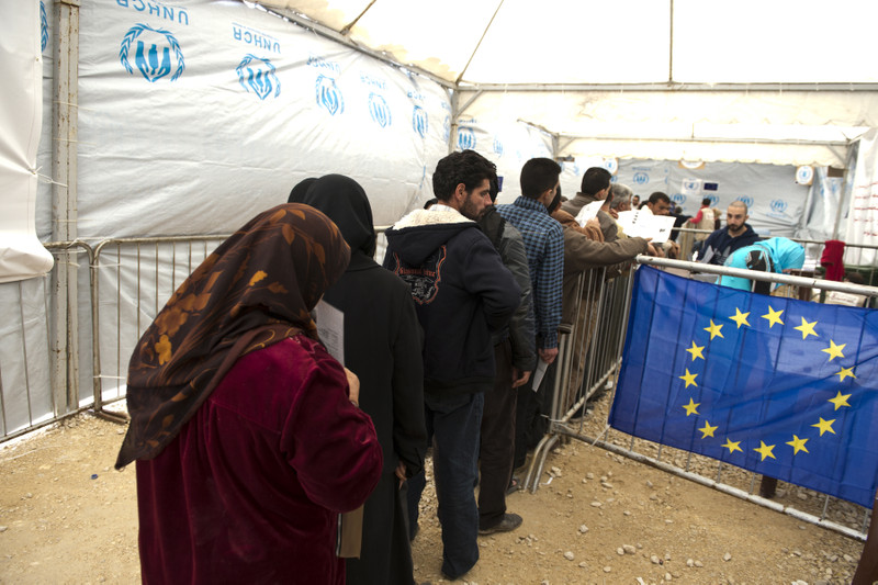 the possible effective solutions to the syrian refugee crisis