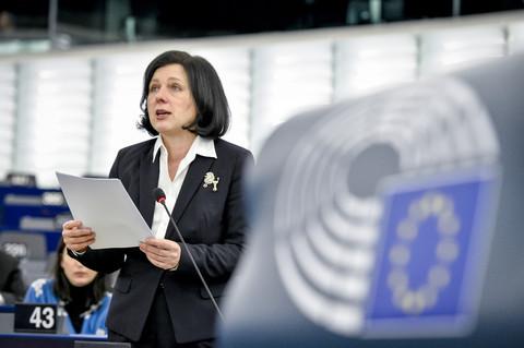 Los eurodiputados piden a los estados de la UE que actúen sobre Hungría y Polonia 2