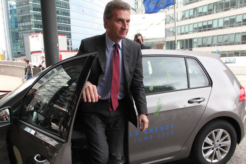 Oettinger protegge la VolksWagen? Fbfbf2acb94a9ab9de0ce8e10902a2eb-800x