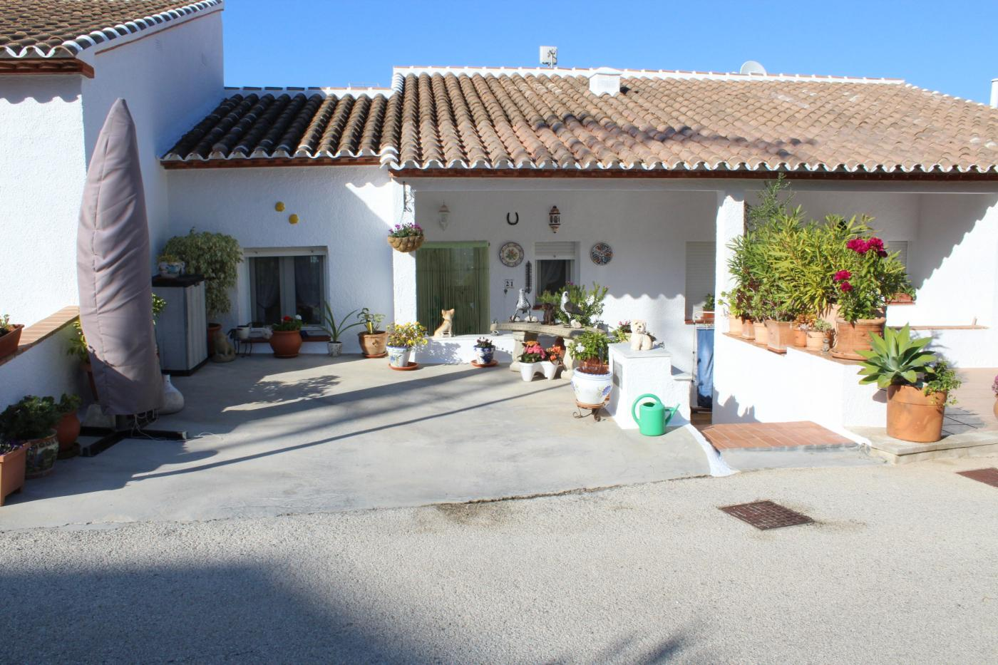 Monte Pedreguer - Urb. Vista Mar.  Immaculate 3 bedroom town house with communal pool and the wonder, Spain