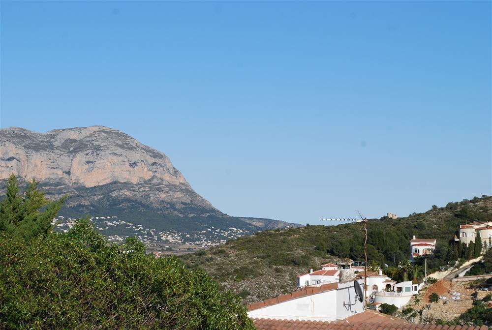 MONTE PEDREGUER - REDUCED FROM 75,000€ !!  Building plot 810m2 - gently sloping and south facing. Ta Spain