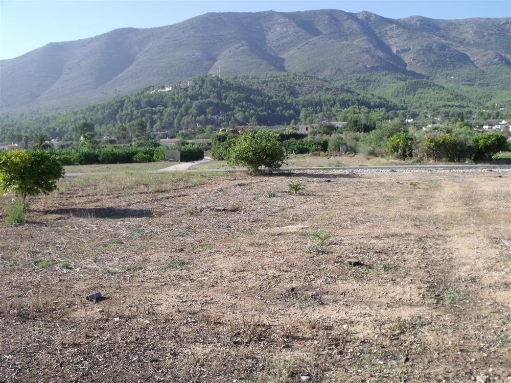 Price negotiable   unique opportunity! A fantastic urban plot of 1,654m2 in Parcent with electric, w, Spain