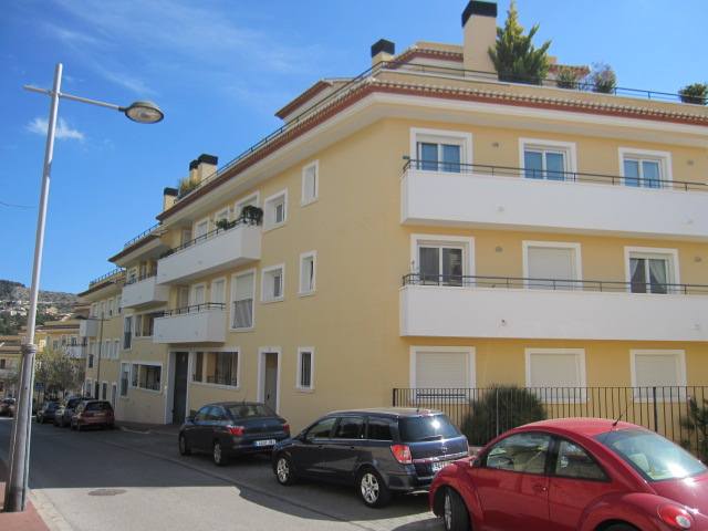REDUCED - Excellent Opportunity to buy a large south facing 3 bedroom ground floor apartment within , Spain