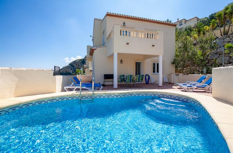 Enjoy your holidays at Villa Buena Vista on Monte Pedreguer; relax, enjoy the private swimming pool,, Spain