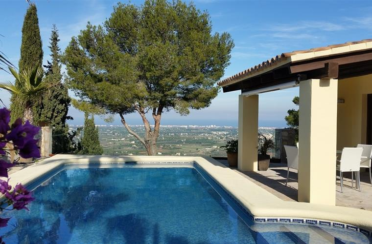 Beautiful luxury villa on the Costa Blanca, in the exclusive La Sella Golf & Spa Resort, near De, Spain