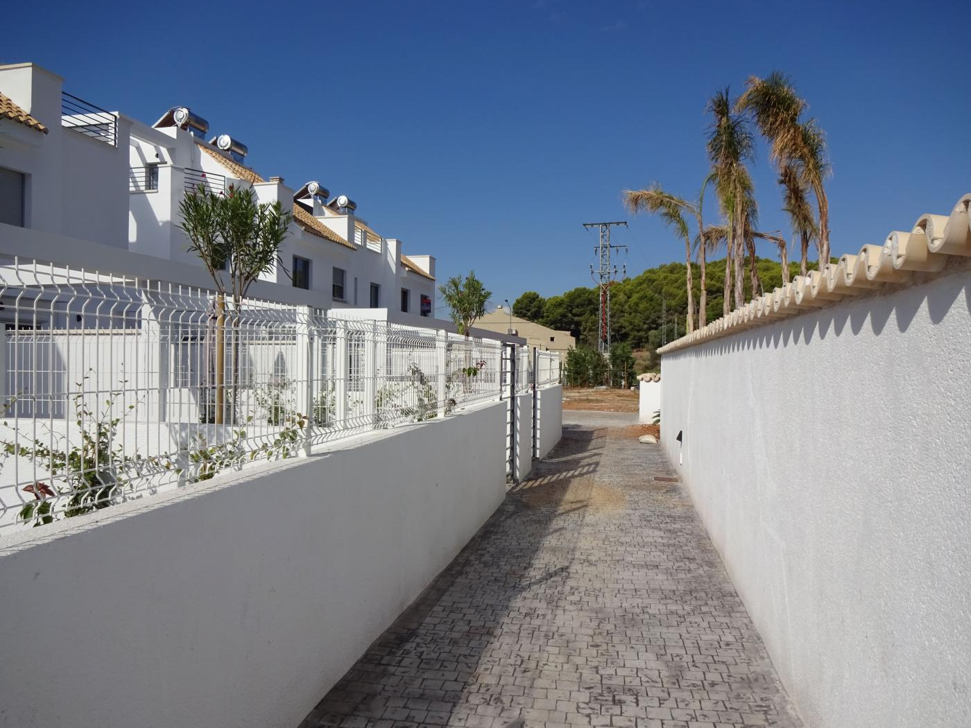Townhouse For Sale in Jesus Pobre