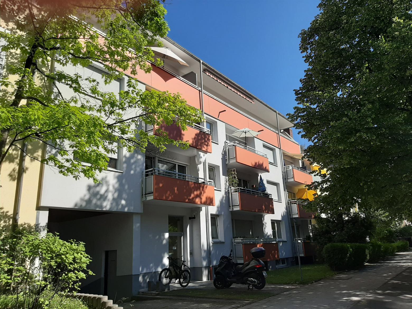 Foncia gepflegte 4 zimmer wohnung mit gro em balkon in for 4 zimmer wohnung munchen