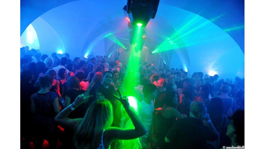 Riesige Ü30 Party in Feldwies