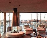 Innenaufnahme der Suite im Hotel Bayerischer Hof mit Blick auf München