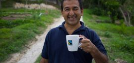 Farmerwithfairtrademug 21652 870