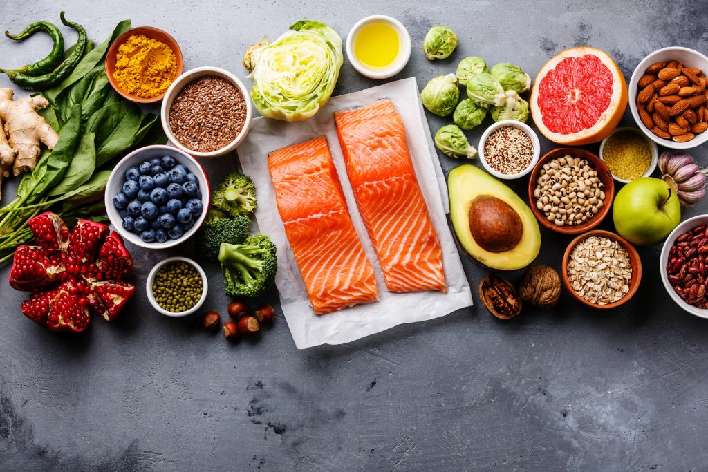 Lachs und weitere gesunde Lebensmittel