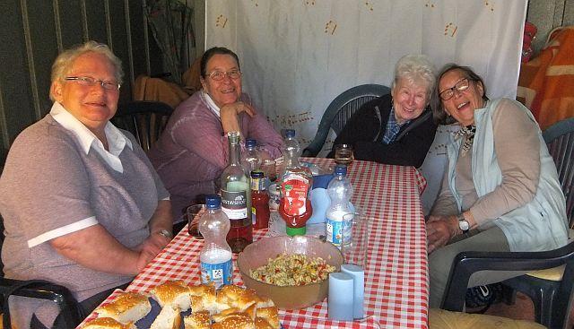 Monika, Ingrid, Anne-Dore und Ingrid