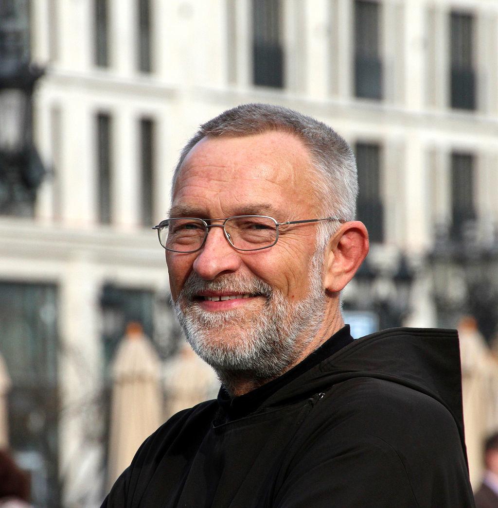 Porträt Bruder Paulus vom Franziskustreff Frankfurt