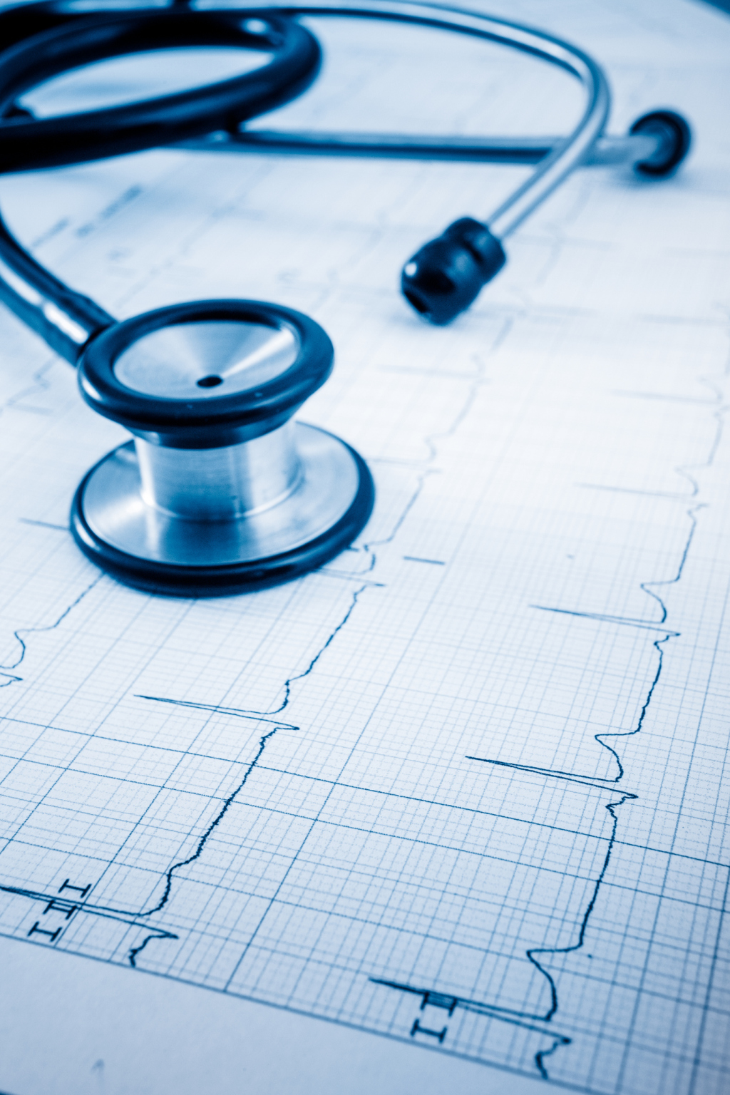 EKG und Stethoskop