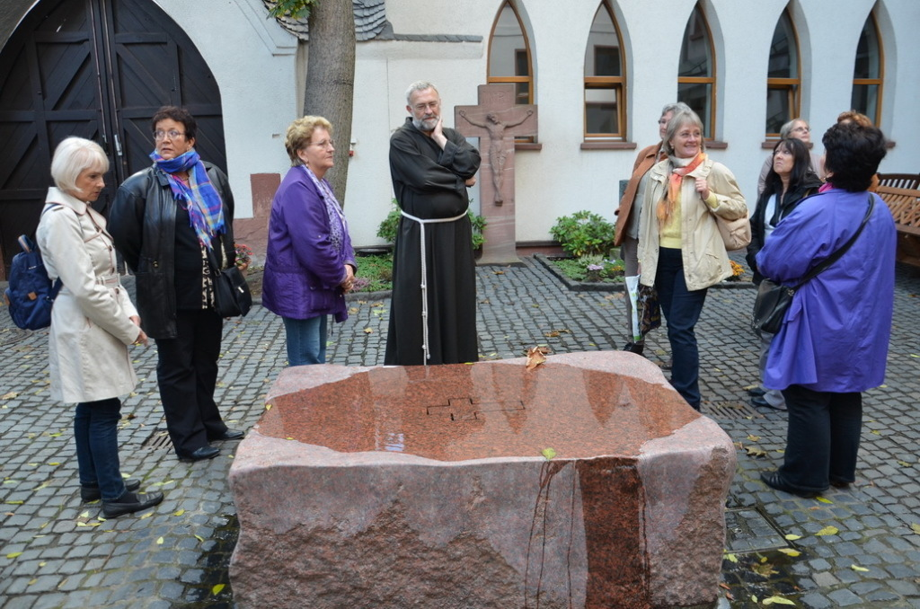 Besuch der Regionalgruppe Frankfurt im Franziskustreff