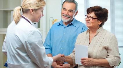 Paar mit Ärztin, © Alexander Raths - fotolia.com
