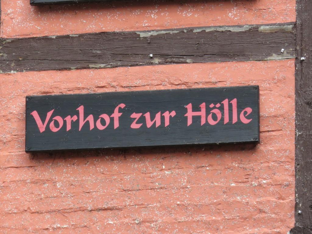 vorhof_hoelle_schild