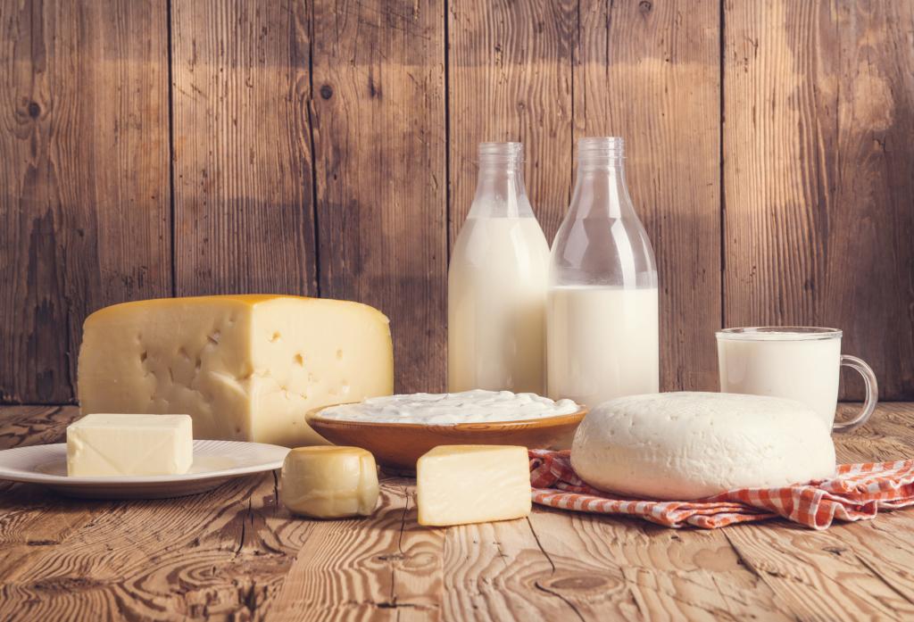 Milchprodukte wie Joghurt, Milch, Butter und Käse