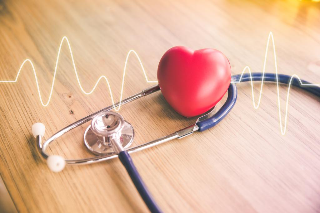 Stethoskop und Symbol Herz