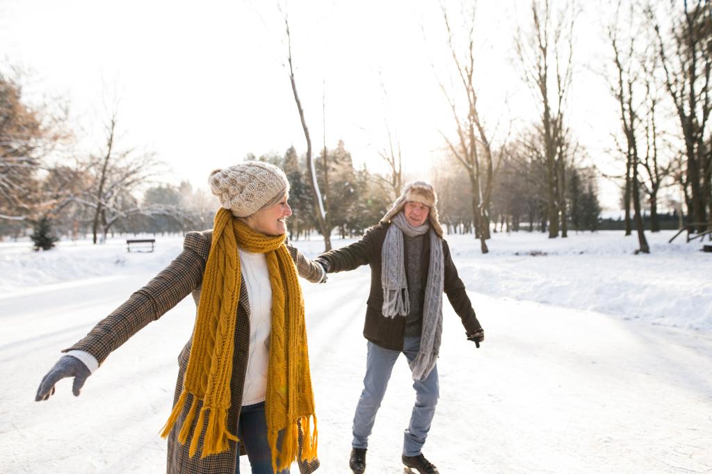 älteres Paar läuft Schlittschuh