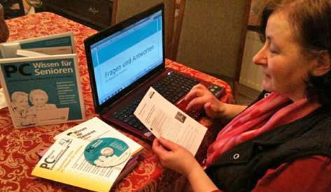 Scout Christa testet PC-Wissen fuer Senioren