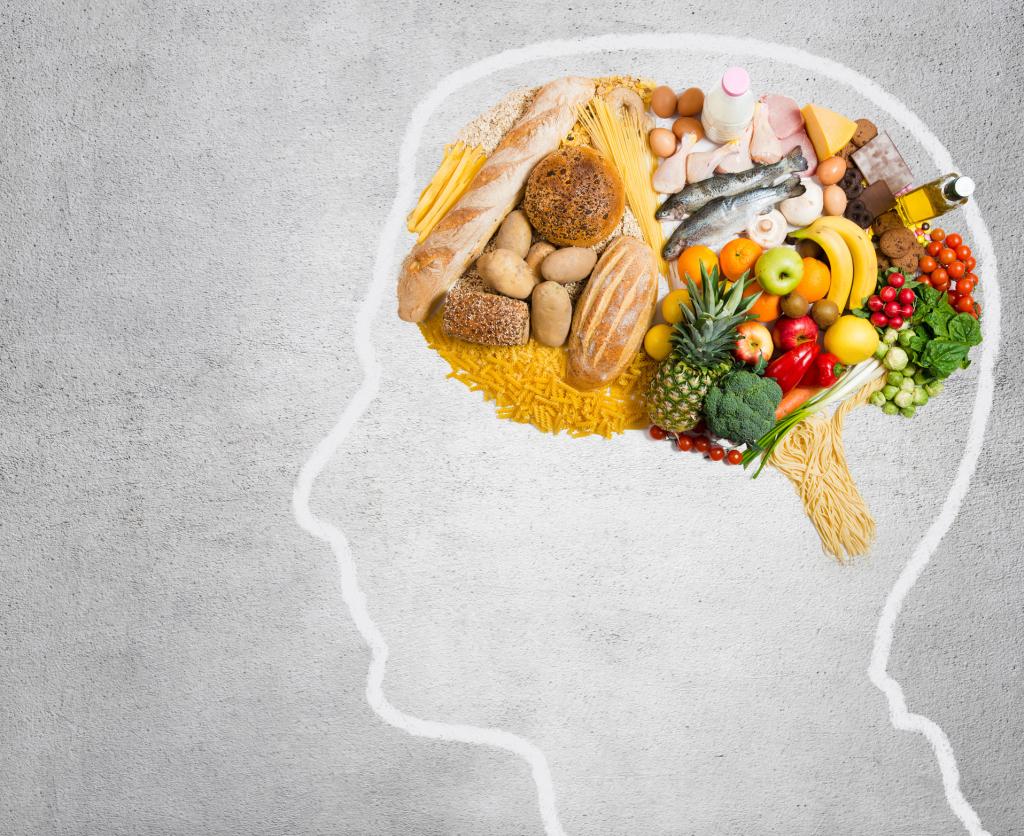 Illustration Gehirn voller Nahrungsmittel