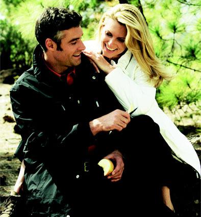Paar in Jacken von Klepper