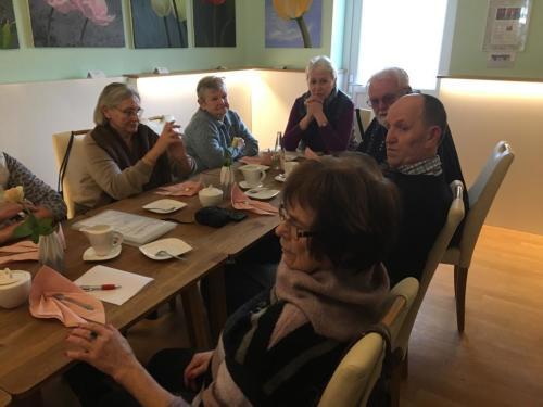 Gittelis begrüßt die Feierabendfreunde