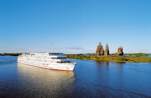 Reisen_Kreuzfahrtschiff_Wasser