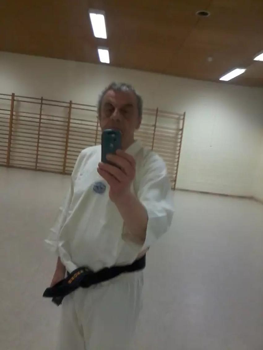 2020-06-15_14-10-58_5ee76552f540d650974b055e-Foto0009_noch_ein_neues_karatedress.jpg