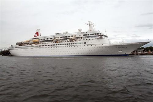 Kreuzfahrtschiff_Boudicca_Bahamas.jpg