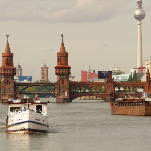 Oberbaumbrücke_DietmarFritze_pixabay
