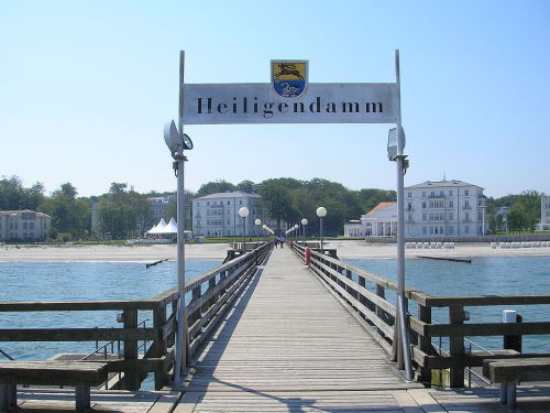 1024px-Heiligendamm_June_2007_054.jpg