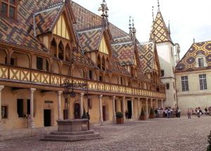 Burgund 28