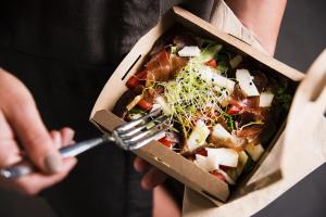 Gesunde Mahlzeit zum Mitnehmen