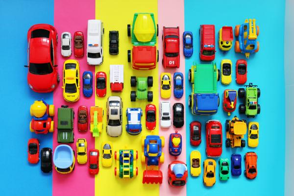bunte Spielzeugautos