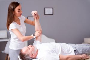 Behandlung beim Arzt