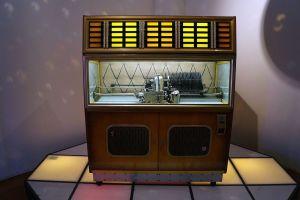 Musikbox Polyhymat 80 C aus DDR-Produktion, Mitte der 1960er Jahre