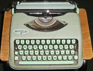 Die kleine Hermes Baby mit Deutschschweizer Tastatur