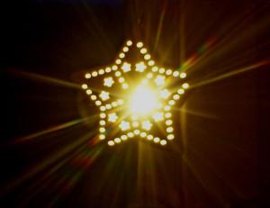 Fensterstern im leuchten