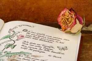 Poesiealbum, © Marina Lohrbach - Fotolia
