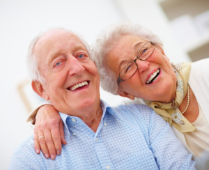 Älteres Paar lacht, © Yuri Arcurs - Fotolia.com