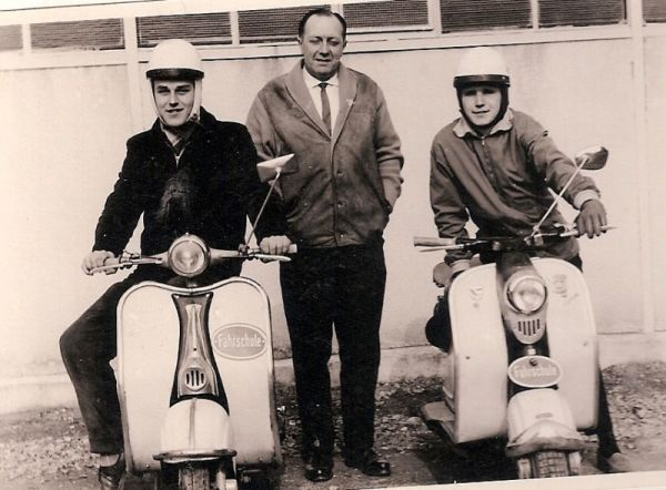 Fahrprüfung 1959 mit Lambretta-Roller