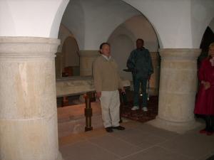Steinsarkophag von Bischof Bernward