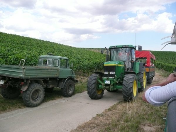 Unimog und Traktor