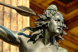 Bronzeskulptur einer Amazone