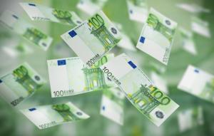 Umherfliegende 100-Euro-Scheine