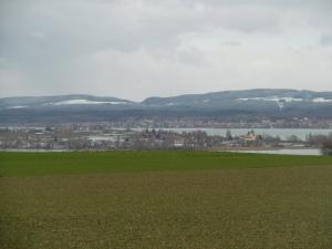Insel Reichenau, dahinter Allensbach