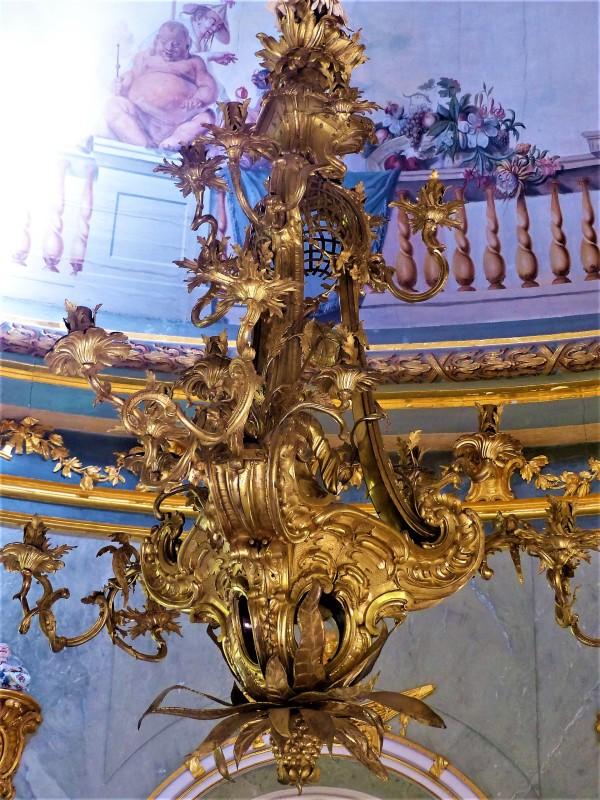 Kronleuchter im Tempel.