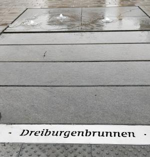 Dreiburgenbrunnen